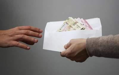 Социологи выяснили, сколько украинцев сталкивалось с коррупцией