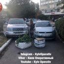 В Киеве «герои парковки» полностью перекрыли проход пешеходам