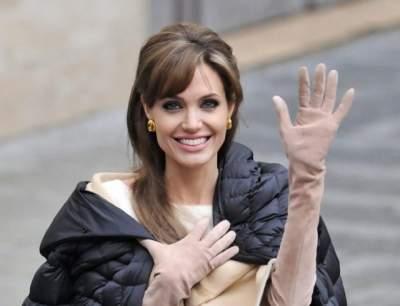 Одно лицо: Анджелина Джоли похвасталась подросшей дочерью