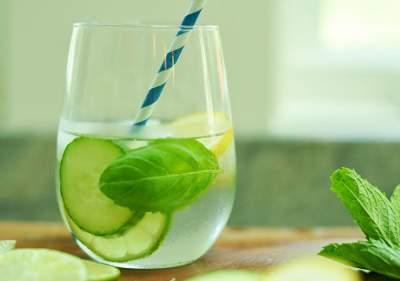 Диетологи подсказали, как очистить организм и похудеть