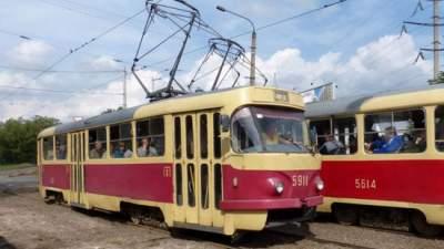 В Киеве временно закроют два маршрута трамваев