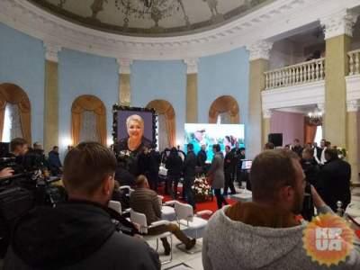 В Киеве прошло прощание с актрисой Дизель Шоу