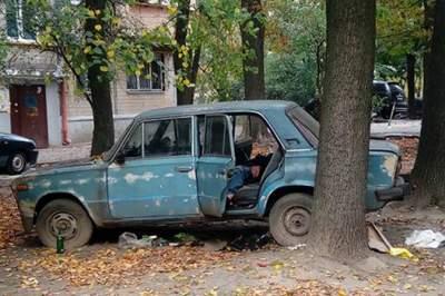 На улицах Киева увеличилось число брошенных авто