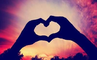 Ученые выяснили, как быстро формируется влюбленность