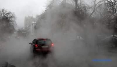 В центре Киева затопило кипятком еще одну улицу