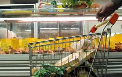 Стало известно, сколько украинцы тратят на питание