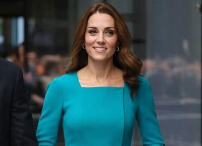 Кейт Миддлтон посетила студию ВВС в стильном коротком платье