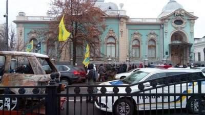 В Киеве усилили охрану правительственного квартала