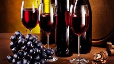 Врачи подсказали, какой алкогольный напиток может защитить от инсульта