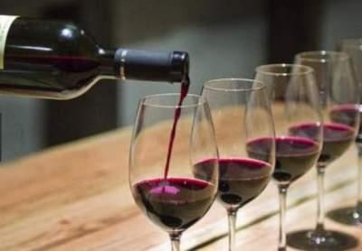 Медики назвали семь полезных качеств вина