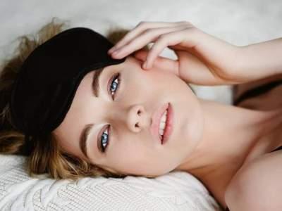 Медики дали неочевидные советы для улучшения сна
