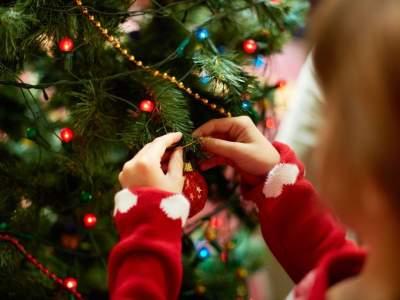 Медики рассказали, чем опасен синдром новогодней елки