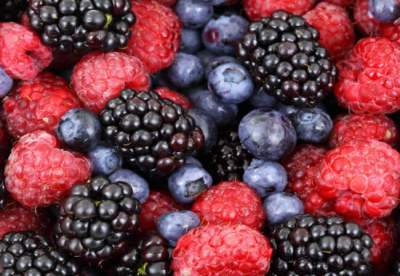 Медики подсказали, какие ягоды помогут сохранить здоровье легких