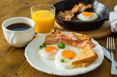 Медики рассказали, чем грозит отказ от завтрака