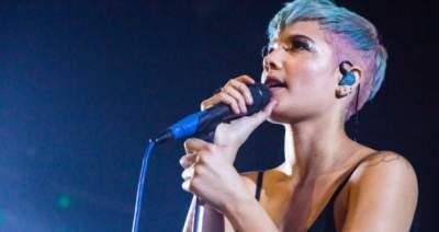 Известная певица оголила грудь в новом клипе