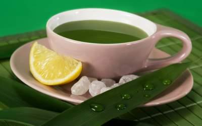Врачи рассказали еще об одном полезном свойстве зеленого чая