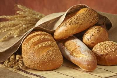 Медики объяснили, почему желательно регулярно есть хлеб