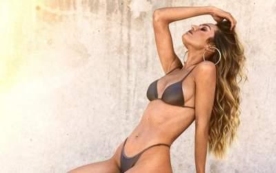 «Ангел» Victoria's Secret похвасталась фигурой в в белом боди