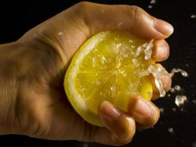 Врачи подсказали, какой фрукт способен защитить от болезней легких