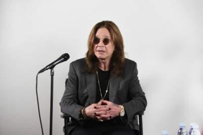 Легендарный рок-музыкант попал в больницу