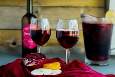 Медики рассказали, кому может быть полезно вино