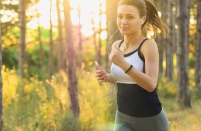 Медики рассказали, почему болит бок во время бега