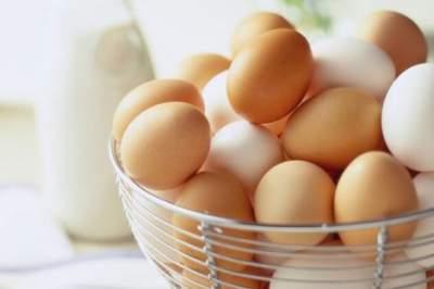 Медики рассказали, почему нужно есть куриные яйца