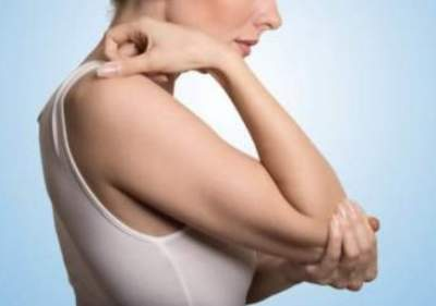 Врачи назвали заболевания, вызывающие сухость кожи локтей