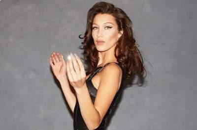 Белла Хадид  представила весенне-летнюю коллекцию Versace