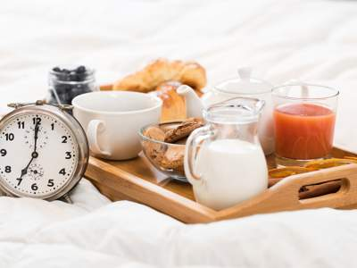 Медики назвали лучшее время для завтрака