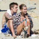 Джастина Бибера с супругой сфотографировали на отдыхе