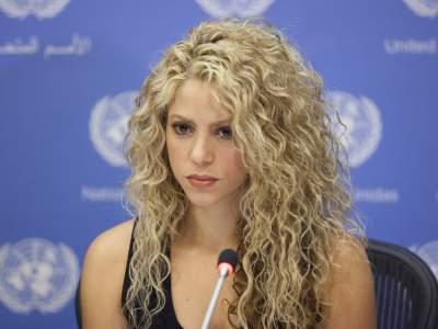 Шакире, чтобы доказать свою невиновность, пришлось спеть в суде