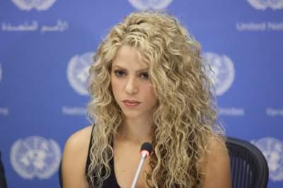Шакира внезапно сменила цвет волос
