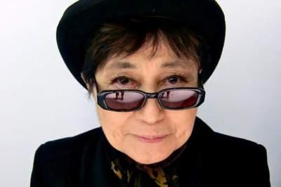 Вдова Джона Леннона откроет необычную выставку