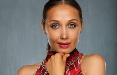 Евгения Власова представила первую песню после долгого перерыва