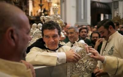 Известный голливудский актер возглавил католическую мессу