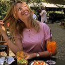 Леся Никитюк показала «пятую точку» в Барселоне