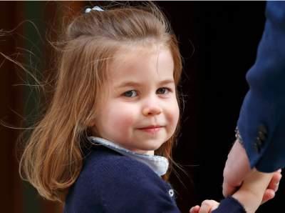 Кейт Миддлтон показала новые снимки принцессы Шарлотты
