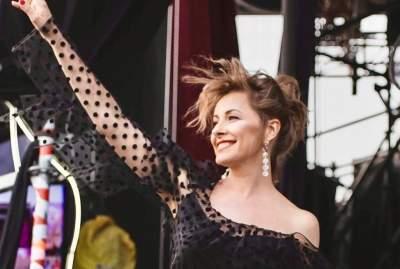 Елена Кравец удивила полупрозрачным платьем